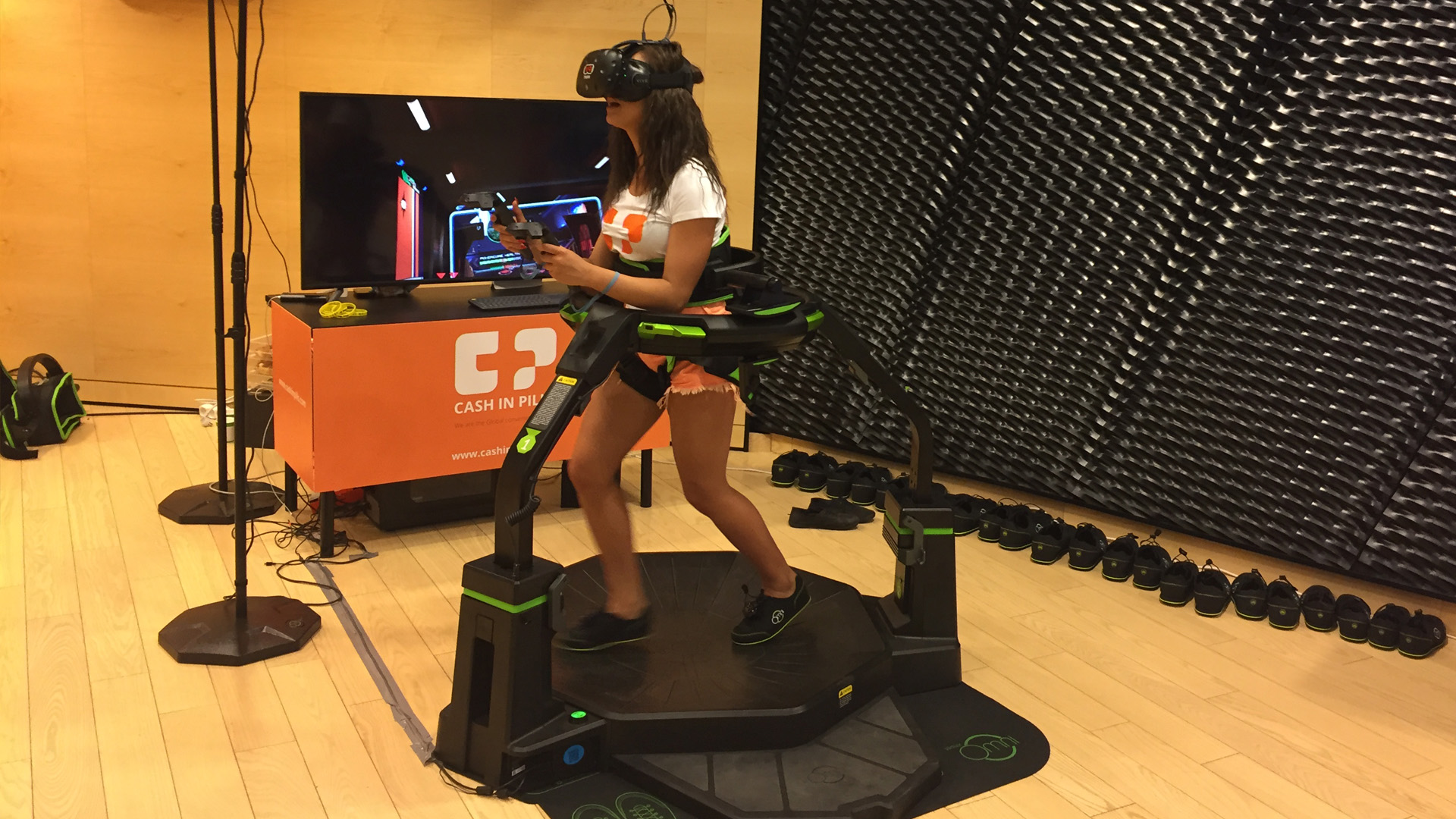 Bieżnia Virtuix Omni VR wynajem na event