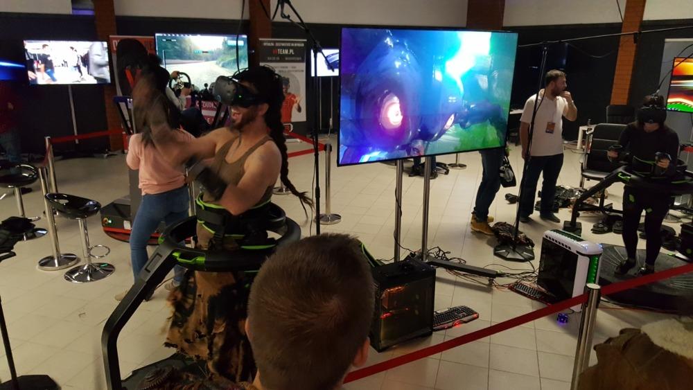 Sprzęt do VR - bieżnia Virtuix Omni na wynajem wypożyczalnie