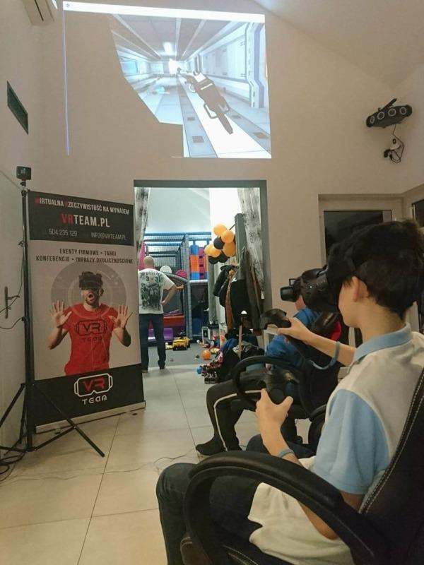 Pomysł na urodziny w kawiarni - Gogle VR wynajem na imprezę