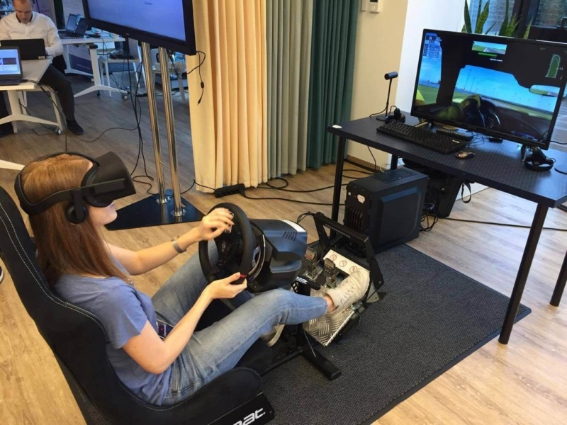 Symulator wyścigowy VR na wynajem