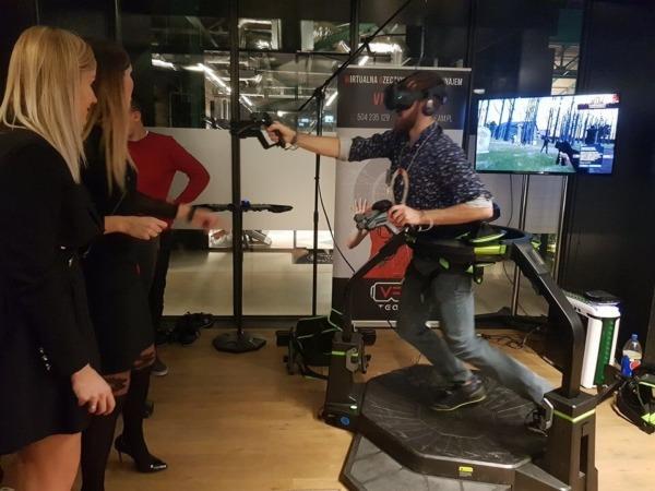Platforma VR Virtuix Omni na wynajem