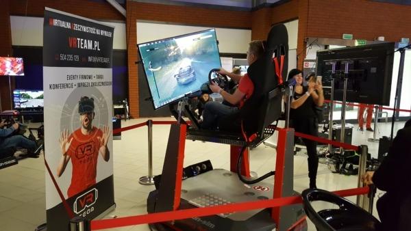 Ruchomy symulator wyścigów VR do wynajęcia