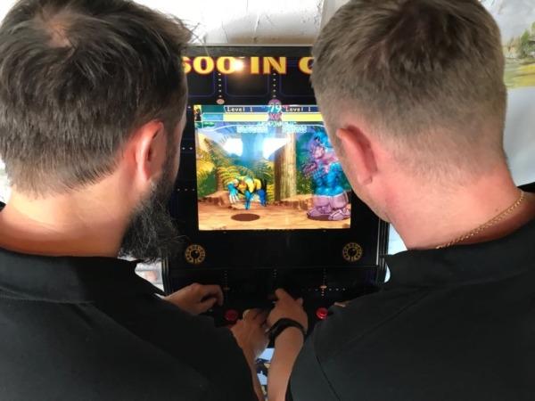 Automat arcade do wynajęcia na event