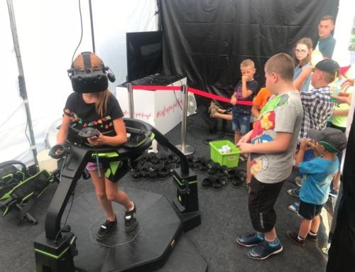 Realizacja: platforma VR i symulator rajdowy VR do wynajęcia na piknik