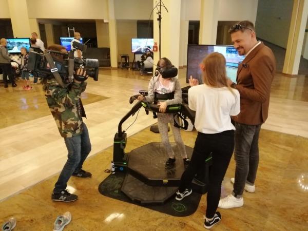 Bieżnia VR Virtuix Omni - atrakcje na wynajem