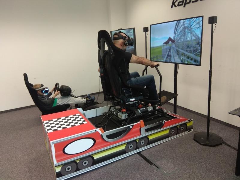 Ruchomy symulator rollercoastera VR na podnośnikach do wynajęcia