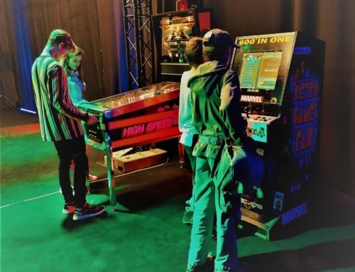 Realizacja: flipper i automat arcade do wynajęcia, retro atrakcje na event