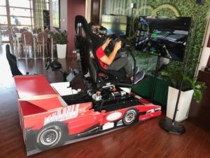 Symulator rajdowy na podnośnikach VR