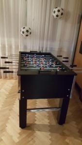 Atrakcje zręcznościowe: stół do piłkarzyków do wynajęcia na imprezę