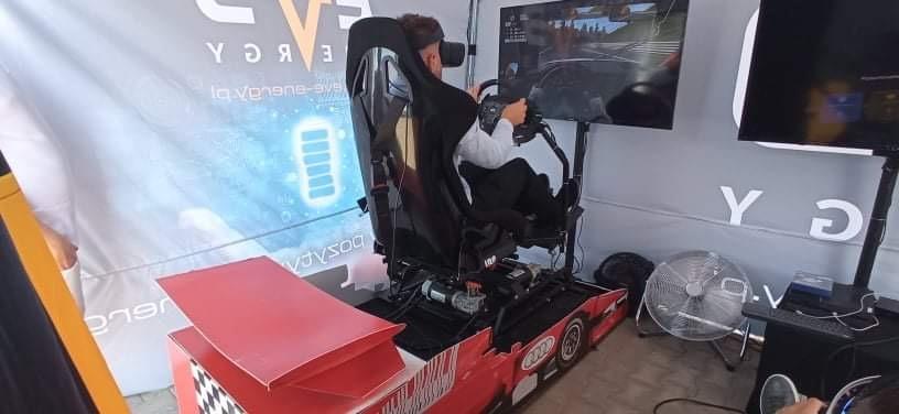 Symulator rajdowy VR 4DOF na podnośnikach wynajem